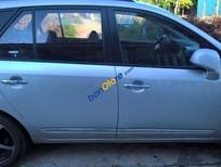 Cần bán xe cũ Kia Carens 2.0 đời 2010 số sàn, giá tốt