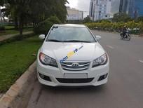 Cần bán Hyundai Avante đời 2012, màu trắng, giá tốt