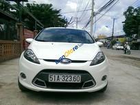 Cần bán Ford Fiesta AT đời 2012, màu trắng xe gia đình, giá tốt