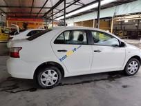 Cần bán lại xe Toyota Vios Limo đời 2010, màu trắng