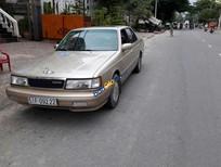 Bán Mazda 929 đời 1990, màu vàng số tự động, 100 triệu