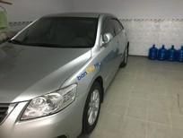 Bán Toyota Camry 2.4G năm 2012, màu bạc còn mới