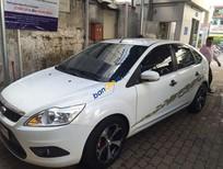 Cần bán Ford Focus 1.8 đời 2013, màu trắng số tự động