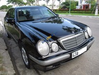 Bán xe cũ Mercedes E240 Elegance đời 2002, màu đen