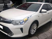 Cần bán xe Toyota Camry 2.5G đời 2015, màu trắng, xe mới 99%