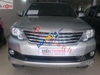 Bán ô tô Toyota Fortuner 2.7V 4x2AT đời 2014, màu bạc chính chủ, 925 triệu