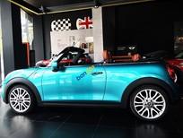 Mini Cooper S Cabriolet màu xanh ngọc, giao xe sớm.