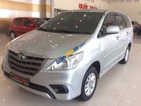 Cần bán xe cũ Toyota Innova 2.0E đời 2014, màu bạc như mới giá cạnh tranh