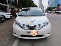 Cần bán lại xe Toyota Sienna Limited sản xuất 2012, màu trắng