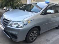 Cần bán lại xe Toyota Innova E đời 2015, màu bạc