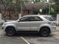 Cần bán Toyota Fortuner V năm 2012, màu bạc, số tự động