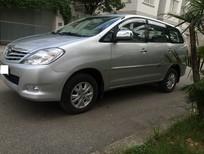 Gia đình tôi cần bán chiếc xe Toyota Innova 2.0G xịn, mầu bạc đời 2010