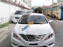 Cần bán xe Hyundai Sonata AT đời 2011, màu trắng, giá tốt