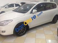 Bán Hyundai i30 CW đời 2010, màu trắng