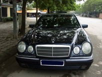 Bán nhanh chiếc xe Mercedes E230 1998