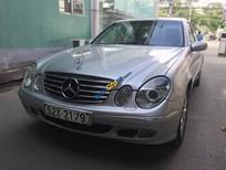 Cần bán Mercedes E240 đời 2004, màu bạc