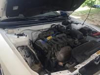 Cần bán Mazda 626 đời 1999, màu trắng