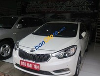 Cần bán xe Kia K3 AT đời 2015, màu trắng, giá chỉ 685 triệu
