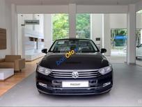 Bán Volkswagen Passat đời 2016, màu đen, nh. Từ 26->30/10/2016 khi mua xe khách hàng được nhiều ưu đãi đặc biệt