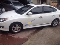 Bán Hyundai Avante 1.6AT đời 2011, màu trắng xe gia đình