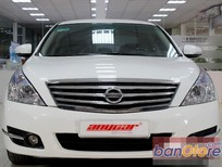 Cần bán Nissan Teana 2.0AT đời 2010, màu trắng, nhập khẩu nguyên chiếc, số tự động