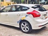 Bán ô tô Ford Focus 2.0 AT đời 2014, màu trắng chính chủ