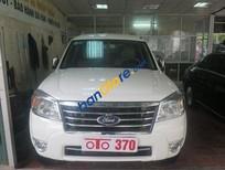 Auto 370 cần bán xe Ford Everest AT đời 2011, màu trắng số tự động