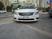 Cần bán lại xe Toyota Camry 2.0E 2011, màu trắng, xe nhập