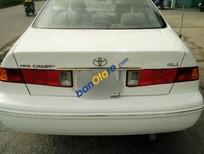Cần bán Toyota Camry đời 2001, màu trắng, chính chủ