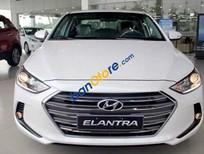 Bán Hyundai Elantra sản xuất 2016, màu trắng, nhập khẩu