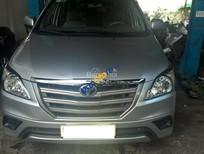 Cần bán lại chiếc Toyota Innova E sản xuất 08/2014 màu bạc