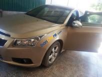 Cần bán xe Chevrolet Cruze LS năm 2011, màu vàng