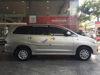 Xe Toyota Innova 2.0E đời 2013, màu bạc cần bán