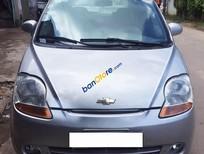 Cần bán gấp Chevrolet Spark 0.8MT LT đời 2010, màu bạc số sàn, 195 triệu