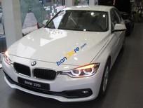 Bán BMW 320i màu trắng chính hãng