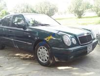 Cần bán xe Mercedes 240 đời 1997, giá chỉ 152 triệu