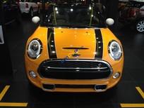 Bán xe Mini Cooper mui trần màu vàng 2016 nhập chính hãng, bảo hành toàn quốc