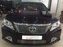 Cần bán lại xe Toyota Camry 2.0AT năm 2013, màu đen, số tự động, giá tốt