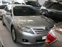 Cần bán lại xe Toyota Camry LE đời 2009, màu bạc, nhập khẩu chính hãng