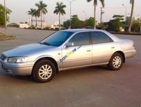 Cần bán lại xe Toyota Camry đời 2000, màu bạc, nhập khẩu số sàn