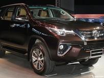 Toyota Fortuner 2.8V AT 1, 2 CẦU Cầu 2017, giao xe ngay, KM lớn, hỗ trợ TG