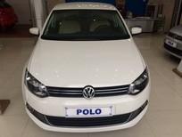 Bán Volkswagen Polo Sedan AT đời 2015, màu trắng, xe nhập, giao xe ngay, hỗ trợ trả góp, giá tốt nhất
