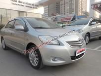 Cần bán xe Toyota Vios E đời 2011, màu bạc, số sàn