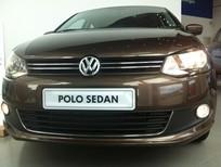 Volkswagen Đà Nẵng bán Polo Sedan AT 2015, màu nâu, nhập khẩu, đẳng cấp Châu Âu, giá sốc