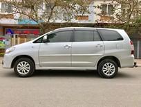 Gia đình tôi cần bán chiếc xe Innova 2.0E mầu bạc, đời 2015, số sàn chính tên, đúng chủ bán