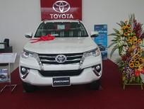 Bán Toyota Fortuner V sản xuất 2017, màu trắng, xe nhập