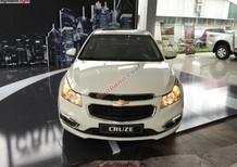 Cần bán Chevrolet Cruze 1.6 LT đời 2015, màu trắng, 572 triệu