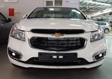 Bán Chevrolet Cruze 1.6 LT  2015, màu trắng, cam kết giá tốt