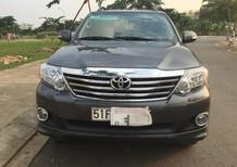 Cần bán xe Toyota Fortuner V năm 2015, màu xám, 975 triệu