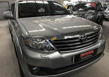 Cần bán Toyota Fortuner V(2 cầu) đời 2012, màu bạc, giá 840tr